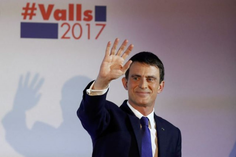 France's Valls urges big second round turnout as presidential bid stumbles