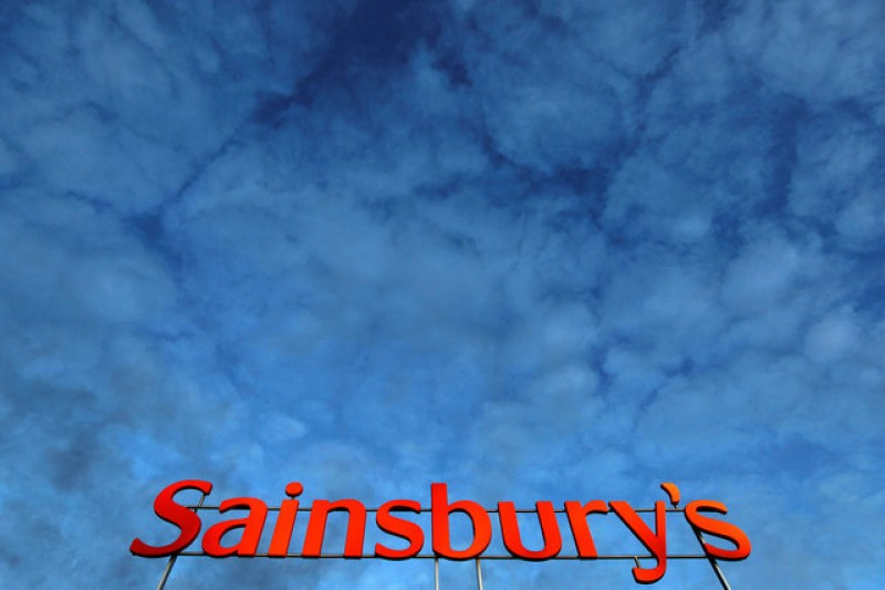 Sainsbury's chairman reprimanded for using staff on country home