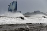 Waves bring destruction to the beaches of Valencia and Catalunya