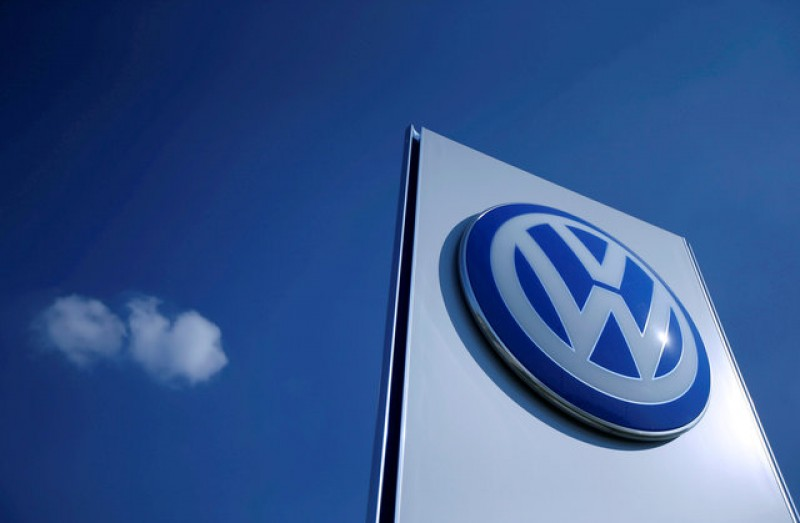 Judge approves VW dealers $1.2 billion settlement
