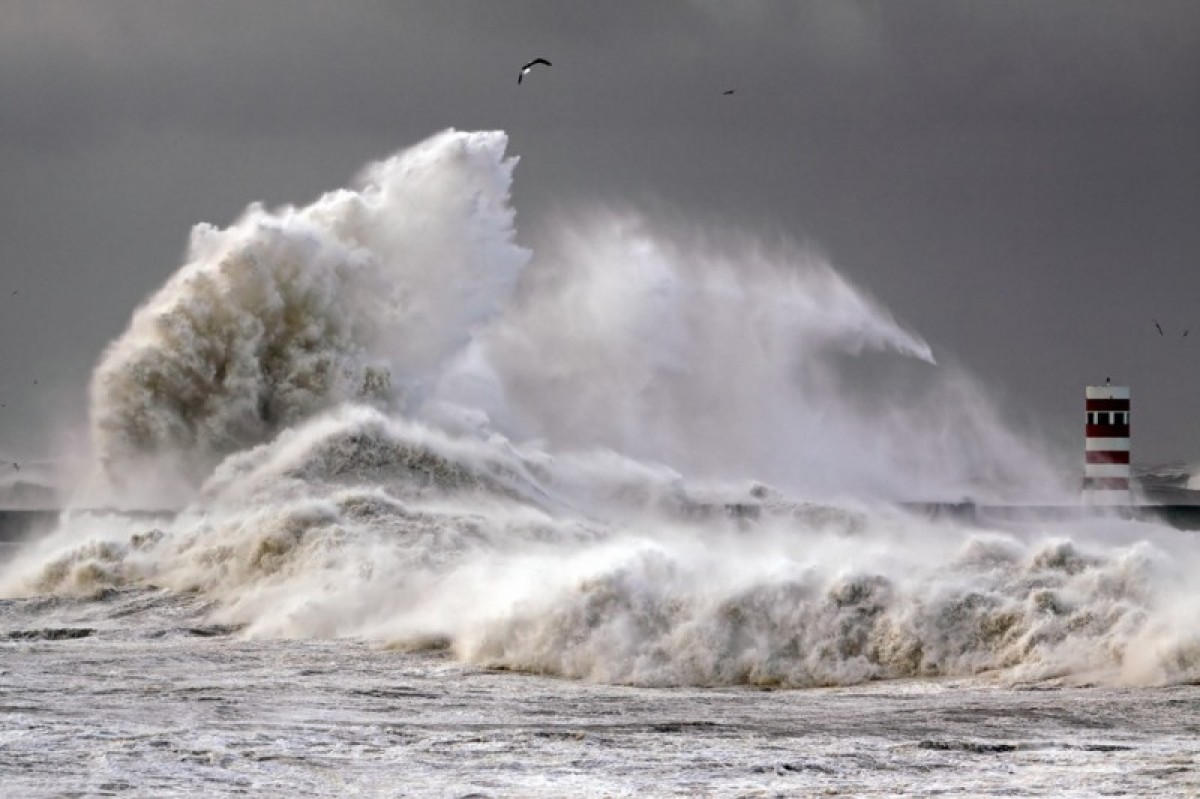 Eastern Spain records highest waves ever