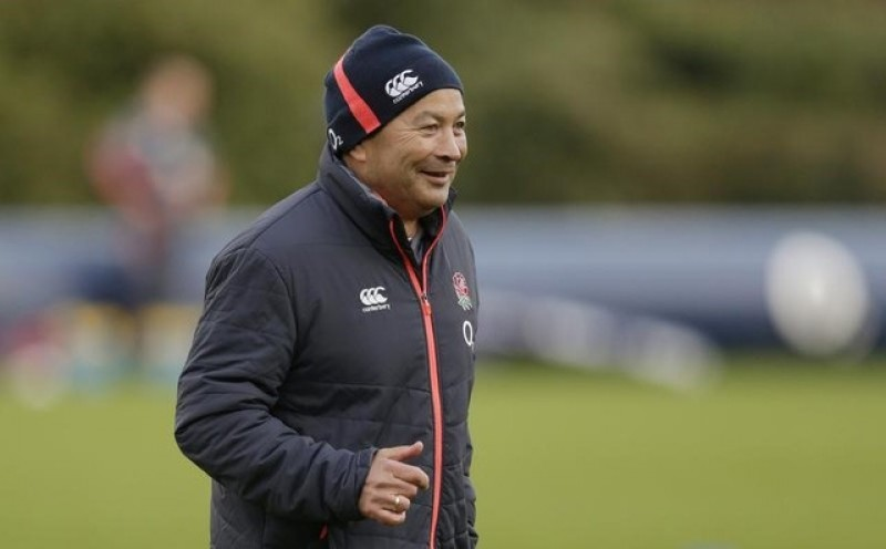 England take back-row risk against experienced Wales