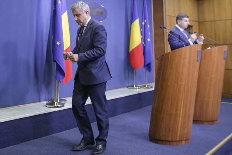 Romanian justice minister resigns after graft debacle
