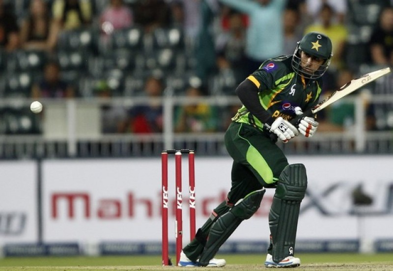 Jamshed suspended as Pakistan corruption probe widens