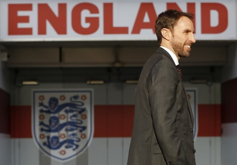Southgate implores England to learn from rugby counterparts