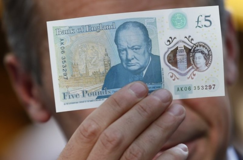 Bank of England to stick with animal-fat banknotes for now