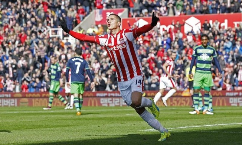Afellay unsure of long-term future at Stoke