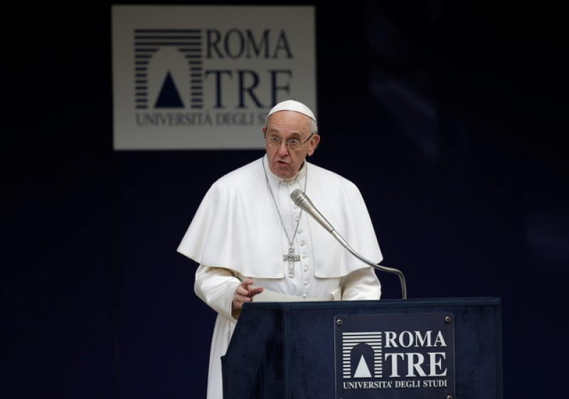 Stop hurling insults and listen, Pope Francis tells politicians