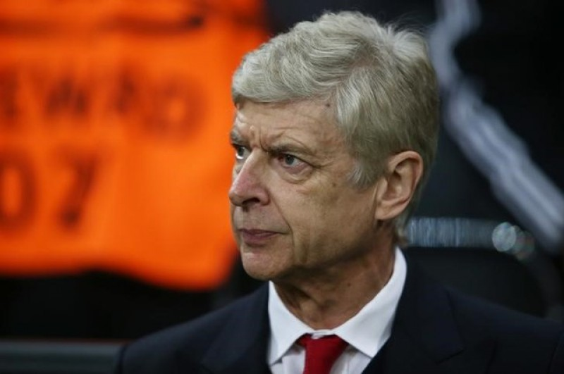 Wenger wants to stay on at Arsenal following Champions League thrashing