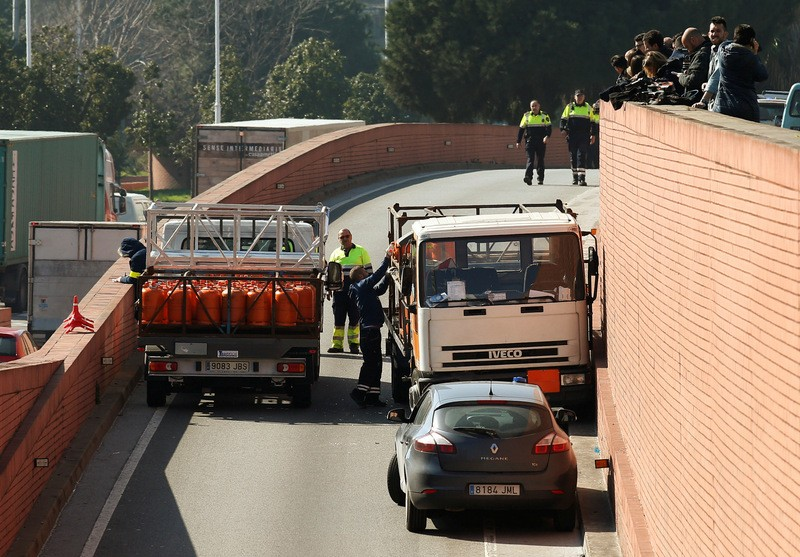 32 year old Swede detained after terrifying Barcelona speed chase in a stolen gas bottle truck