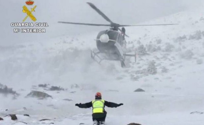 12 rescued from the mountains between Madrid and Segovia