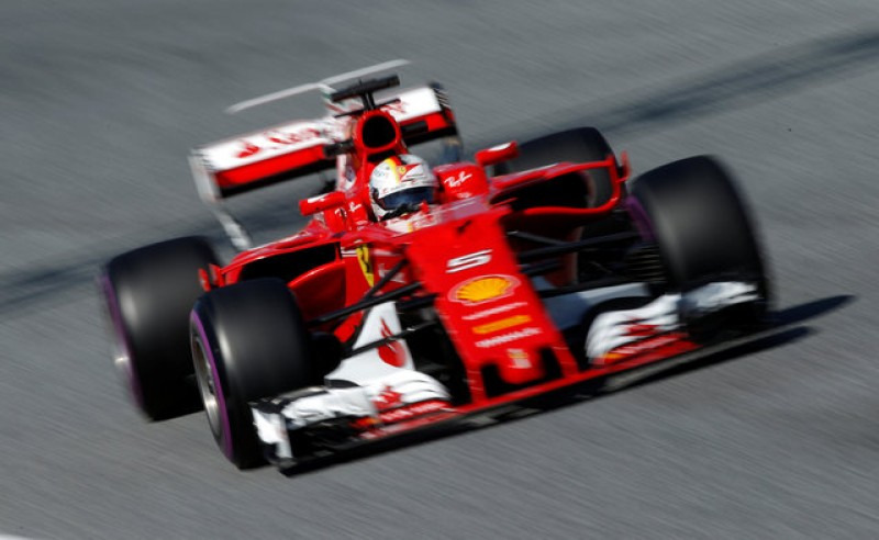 Hamilton and Vettel disagree on who is favourite