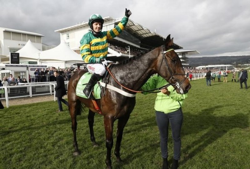 Record sixth Champion Hurdle for trainer Henderson