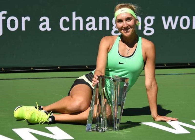 Tennis - Vesnina outlasts Kuznetsova in marathon Indian Wells final