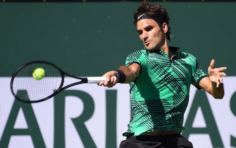 Federer tops Wawrinka in all-Swiss Indian Wells final