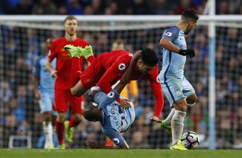 Spurs and United keep up pressure as City and Liverpool draw