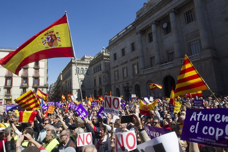 Anti-separatists take to the streets of Barcelona