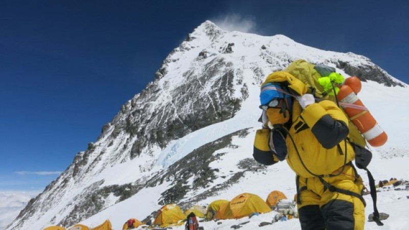 GPS device to prevent false Everest claims by climbers
