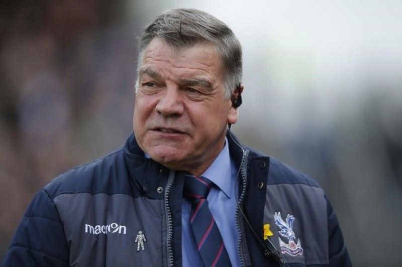 Palace clean sheets down to Allardyce, says Tomkins