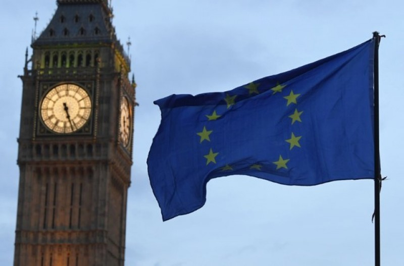 Leaving EU without deal would damage UK non-financial services
