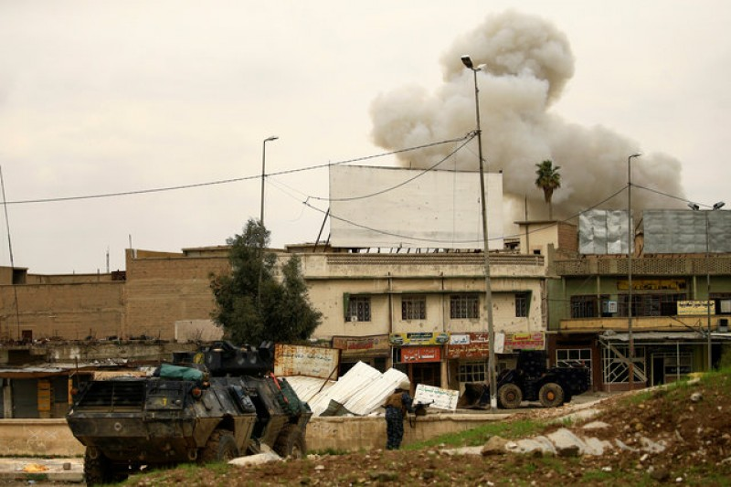 Islamic State shells recaptured areas in west Mosul
