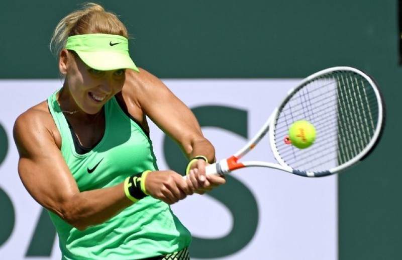 Tennis - Indian Wells champion Vesnina on ropes against world 594