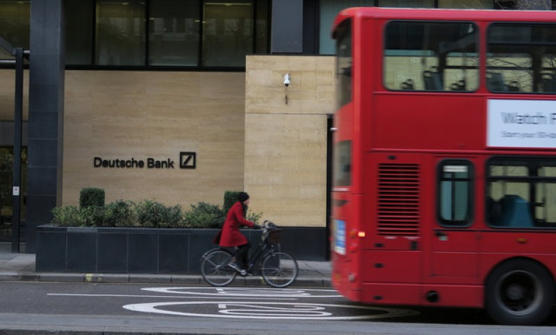 Deutsche Bank signs up new London headquarters in show of faith in Brexit Britain