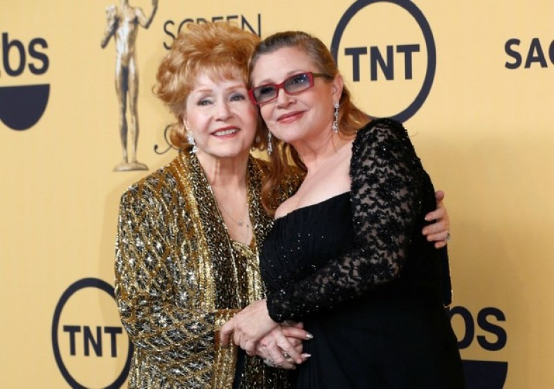 Carrie Fisher, Debbie Reynolds lauded at public memorial service