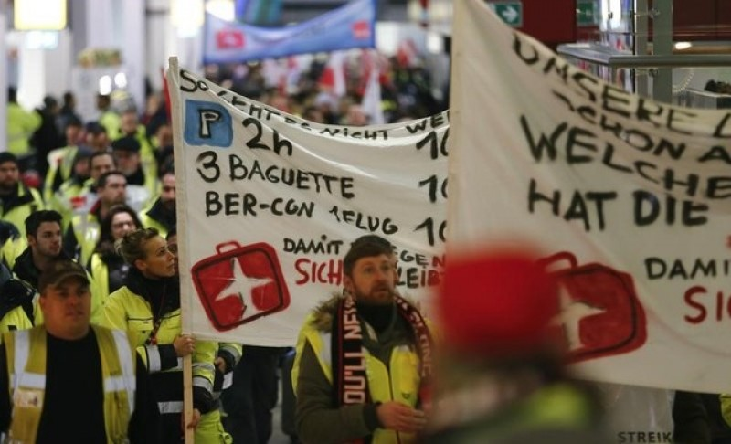 Berlin airport ground staff agree pay deal after strikes