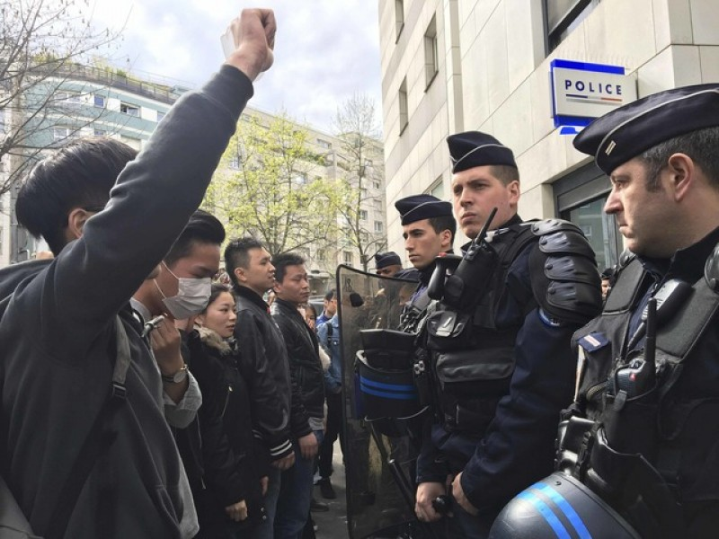 China calls for explanation after Paris police shoot dead Chinese man