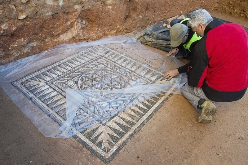 Roman mosaics in perfect condition to be moved to Badalona museum