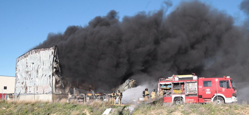 Zaragoza tyre factory gutted by fire
