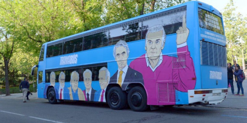 Controversial Corruption Bus campaign stalls in Madrid