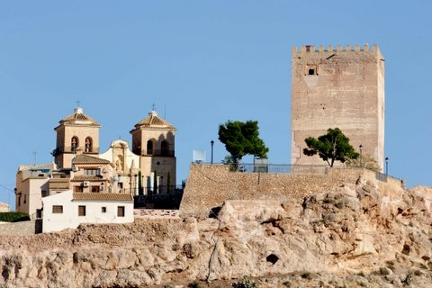 Visiting Aledo, the keep and 20 million years of history