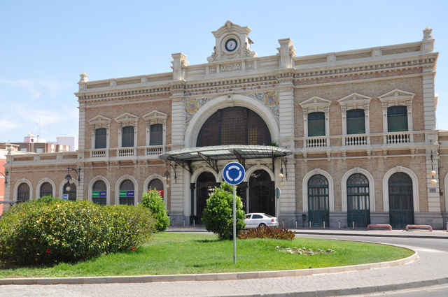 Bus station and railway station in Cartagena
