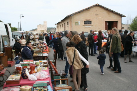 <span style='color:#780948'>ARCHIVED</span> - 17th November, Cehegin, 2nd hand market and bootfair