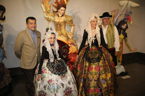 The tradition of the night of San Juan in Alicante and Spain