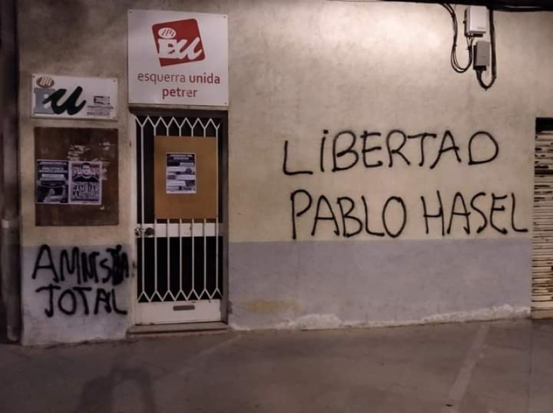<span style='color:#780948'>ARCHIVED</span> - Violent protests spread through Spain after arrest of controversial rapper in Lleida