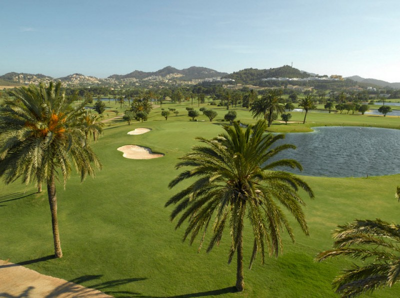 <span style='color:#780948'>ARCHIVED</span> - 160 personnel will be laid off at the La Manga Club in April