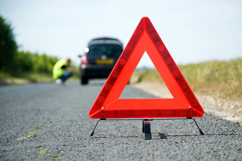 <span style='color:#780948'>ARCHIVED</span> - Law passed to replace breakdown warning triangles with flashing beacons by 2026 in Spain