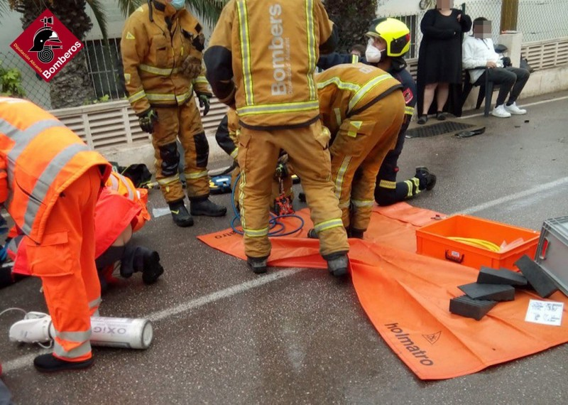 Complicated extraction for firemen following accident in Calpe