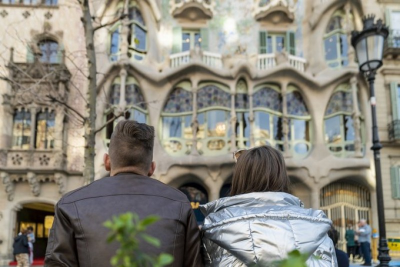 <span style='color:#780948'>ARCHIVED</span> - Barcelona looks towards the Russian market to reactivate tourism