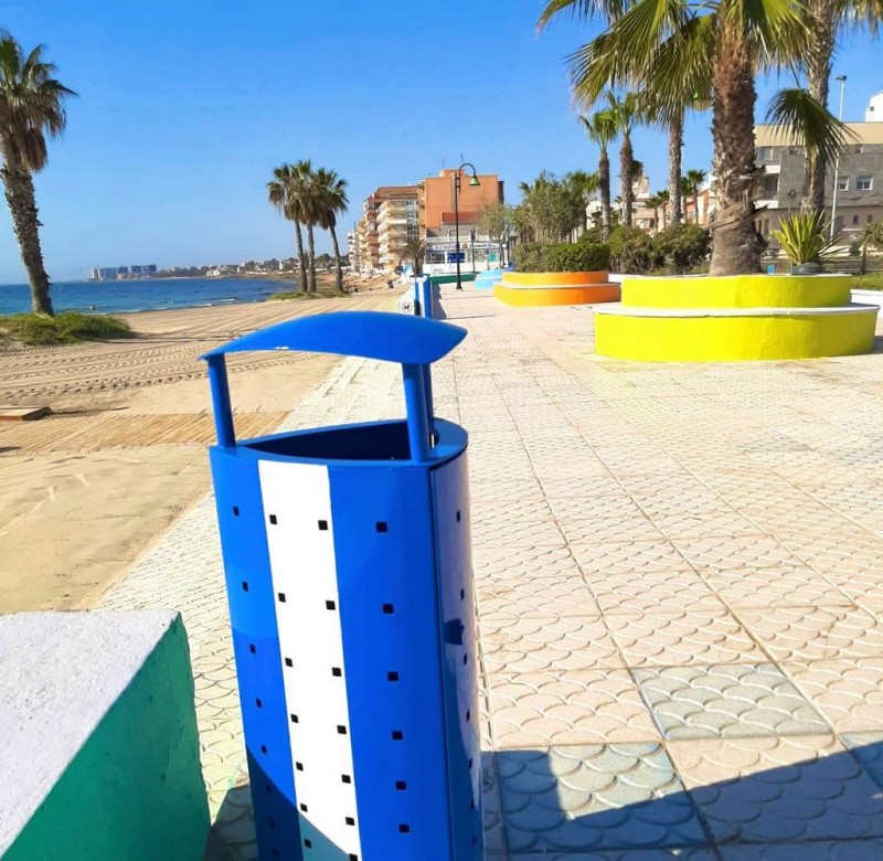 <span style='color:#780948'>ARCHIVED</span> - Spring facelift on Torrevieja beaches continues