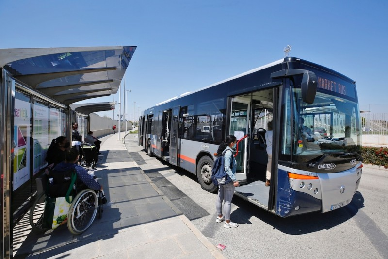 <span style='color:#780948'>ARCHIVED</span> - New bus stop to allow safer access to Torrevieja's weekly market