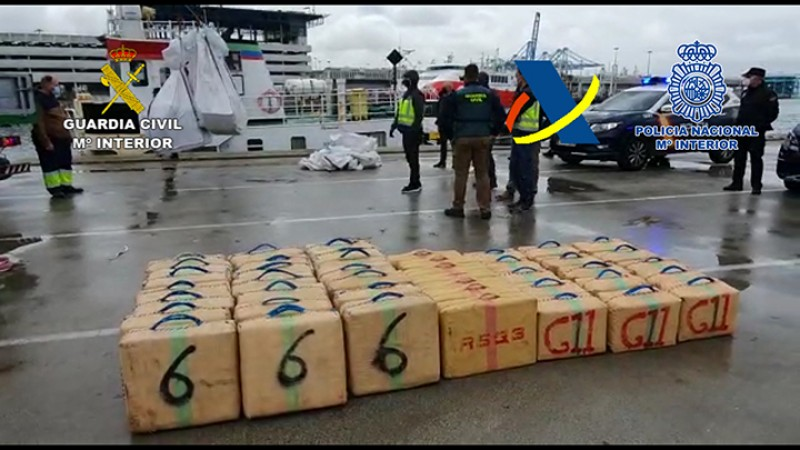 More than 7 tonnes of hashish seized after police board drugs boat in Straits of Gibraltar, Cadiz