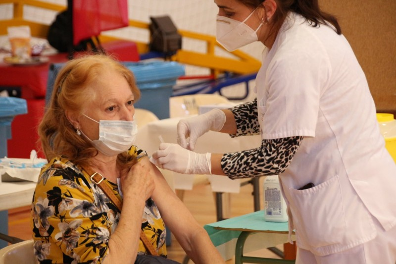 <span style='color:#780948'>ARCHIVED</span> - More than a quarter of Spanish residents have received at least one dose of Covid vaccine