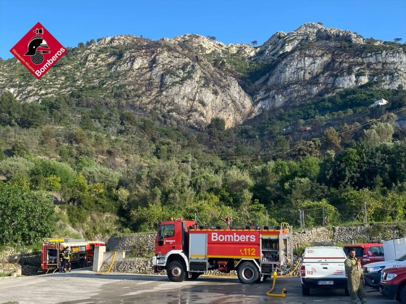 <span style='color:#780948'>ARCHIVED</span> - Alicante firefighters make a record number of mountain rescues in one day
