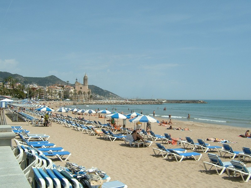 <span style='color:#780948'>ARCHIVED</span> - Spanish Foreign Minister optimistic that Brits will holiday on beaches in Spain this summer