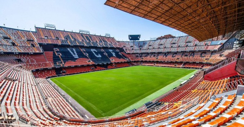 <span style='color:#780948'>ARCHIVED</span> - Fans to return to football stadiums to see out La Liga season in Spain