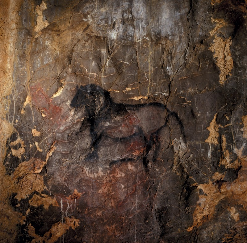 <span style='color:#780948'>ARCHIVED</span> - Child footprints thought to be 16,500 years old unearthed in Cantabrian cave